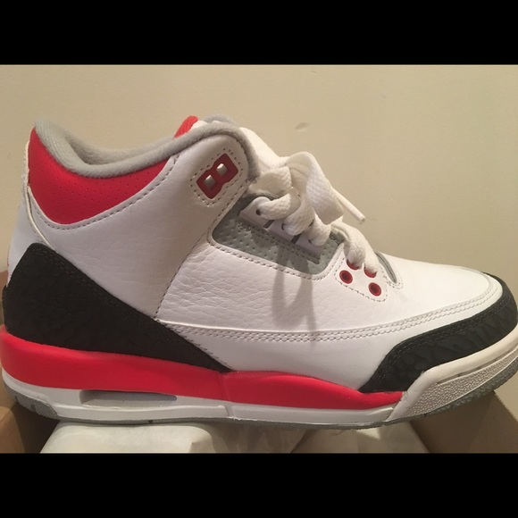 "online store 45e32 09af4 Jordan Retro 3 ""Fire Red"" Boys"